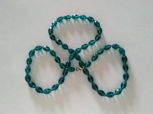 emerald bead shamrock